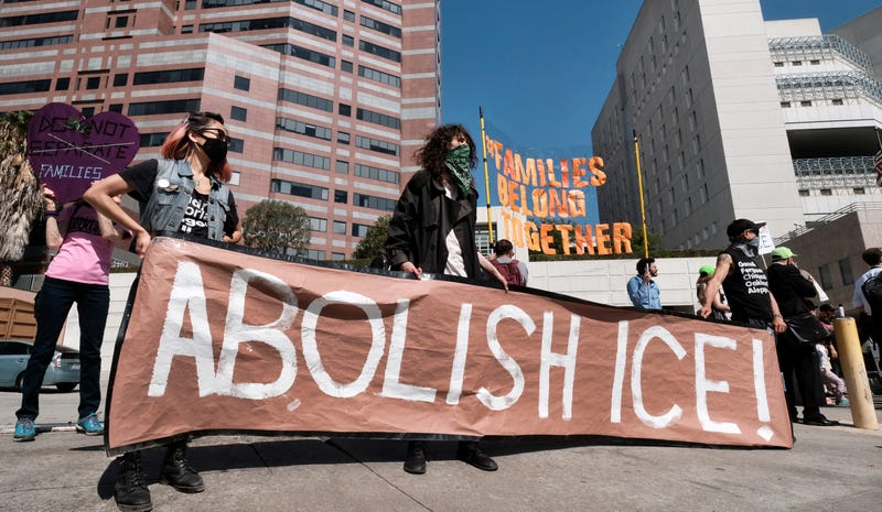Illustration for article titled More Than 100 State and Local Elected Officials Have Called for the Abolition of ICE