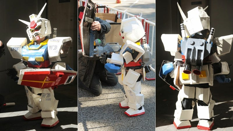 Illustration for article titled Giant Gundam? No, Tiny (and Adorable) Gundam.