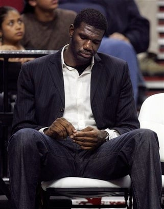 Illustration for article titled Greg Oden Would Like To Apologize For His Appearance