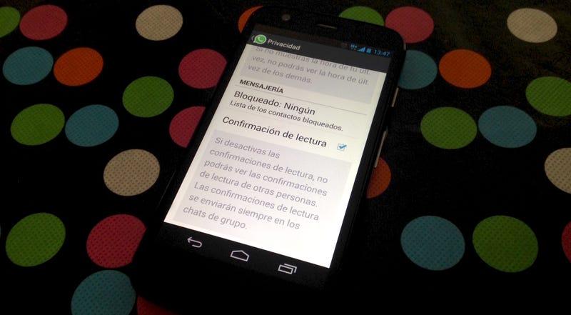 Illustration for article titled WhatsApp ya permite desactivar el doble check azul en Android