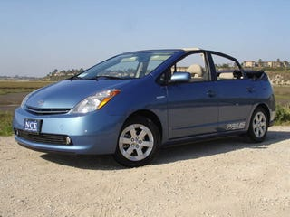Illustration for article titled Convertible Prius Aims For Economy And Style, Misses