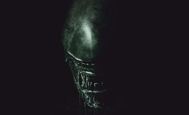 Illustration for article titled El macabro primer cartel de Alien: Covenant es simplemente perfecto