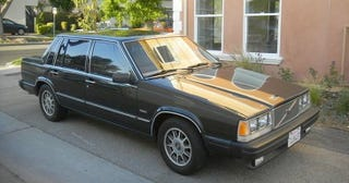 Illustration for article titled For $3,500, This 1987 Volvo 760 Diesel Could Be Your Rattle Can Do!
