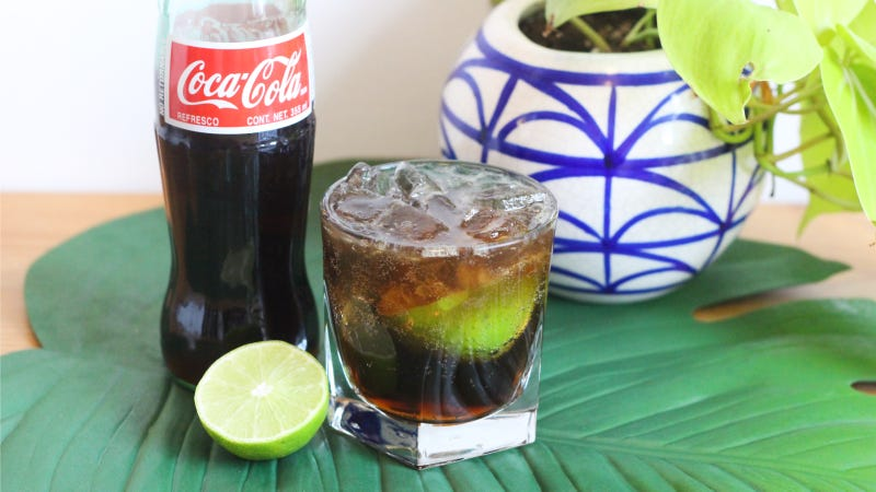 Illustration for article titled This Refined Cuba Libre Is Way Better Than the Rum & Coke of Your College Days