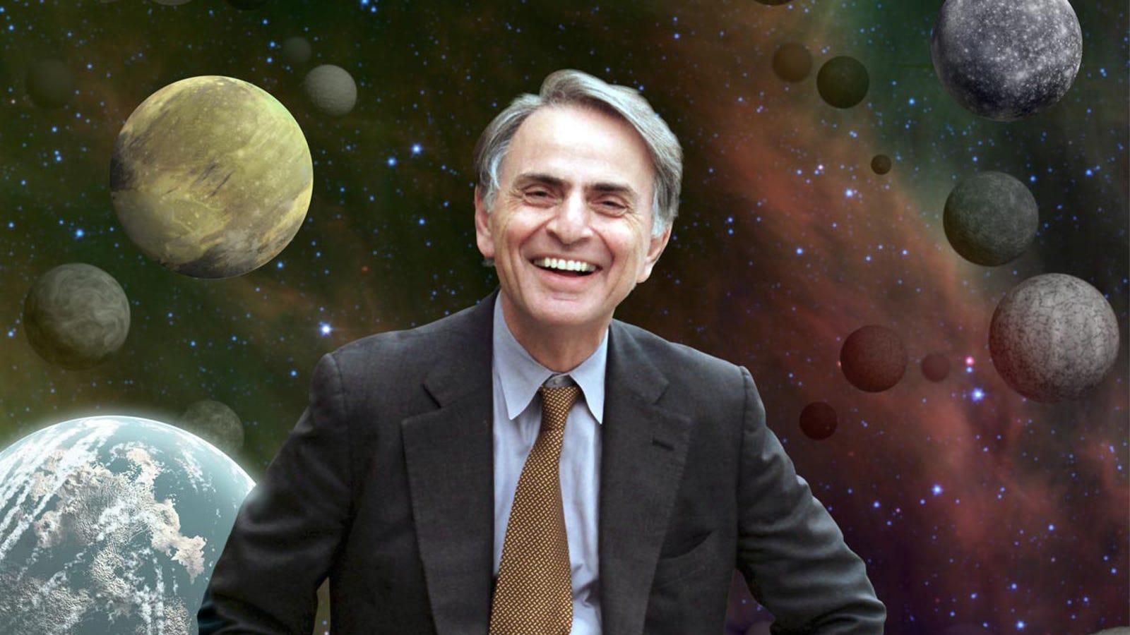 El día que Carl Sagan demostró a los terraplanistas que la Tierra es esférica usando un simple palo