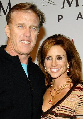 Illustration for article titled Elway Engaged To Former Raiderette