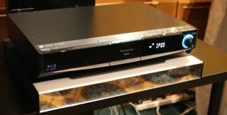 Illustration for article titled First Listen: Panasonic SC-BT100 Blu-ray Home Theater in a Box Is Boomy, Not Hissy
