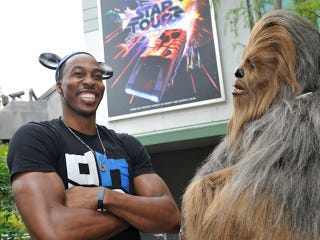 Illustration for article titled Dwight Howard Went To Disney World Anyway