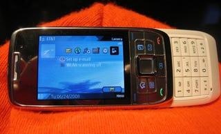 Illustration for article titled Lightning Review: Nokia E66 Slider Smartphone