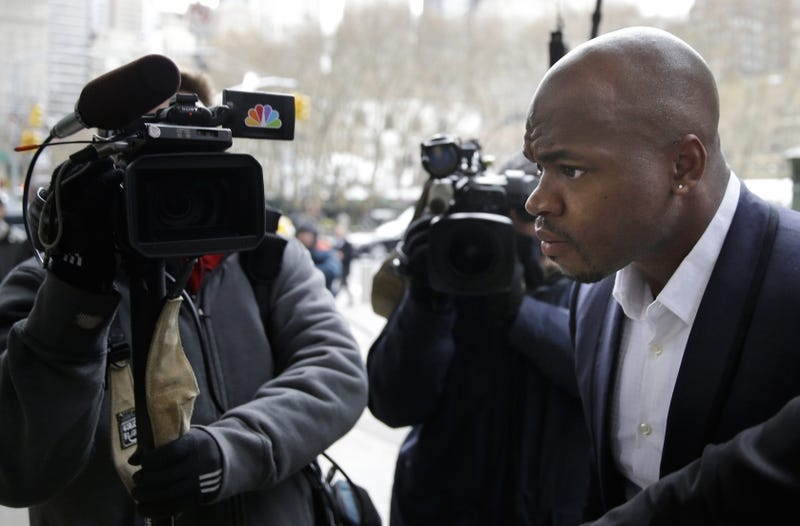 Illustration for article titled Audio: NFL Exec Told Adrian Peterson He Would Get Two-Game Suspension