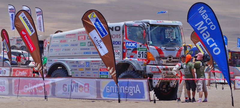 Illustration for article titled Watch The Best Big-Truck Racing And Rollovers At The 2015 Dakar Rally