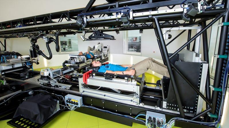 Illustration for article titled La NASA ofrece 16.500 euros por estar tumbado en la cama 60 días