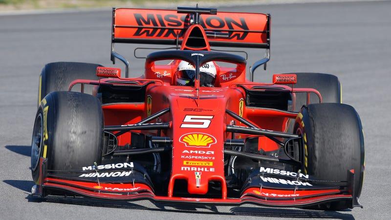Illustration for article titled Ferrari's Vaping Paint Job Has Instantly Backfired