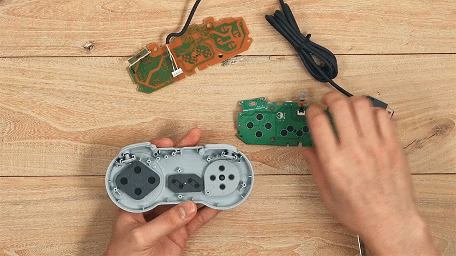 This Kit Lets You Make Your Old SNES Controllers Completely Wireless