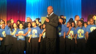 Wintley Phipps performs with the Dream Kids and the Takoma Academy Chorale at the U.S. Dream Academy's 15th annual Power of a Dream Gala on May 3, 2016, in Washington, D.C.U.S. Dream Academy via Twitter