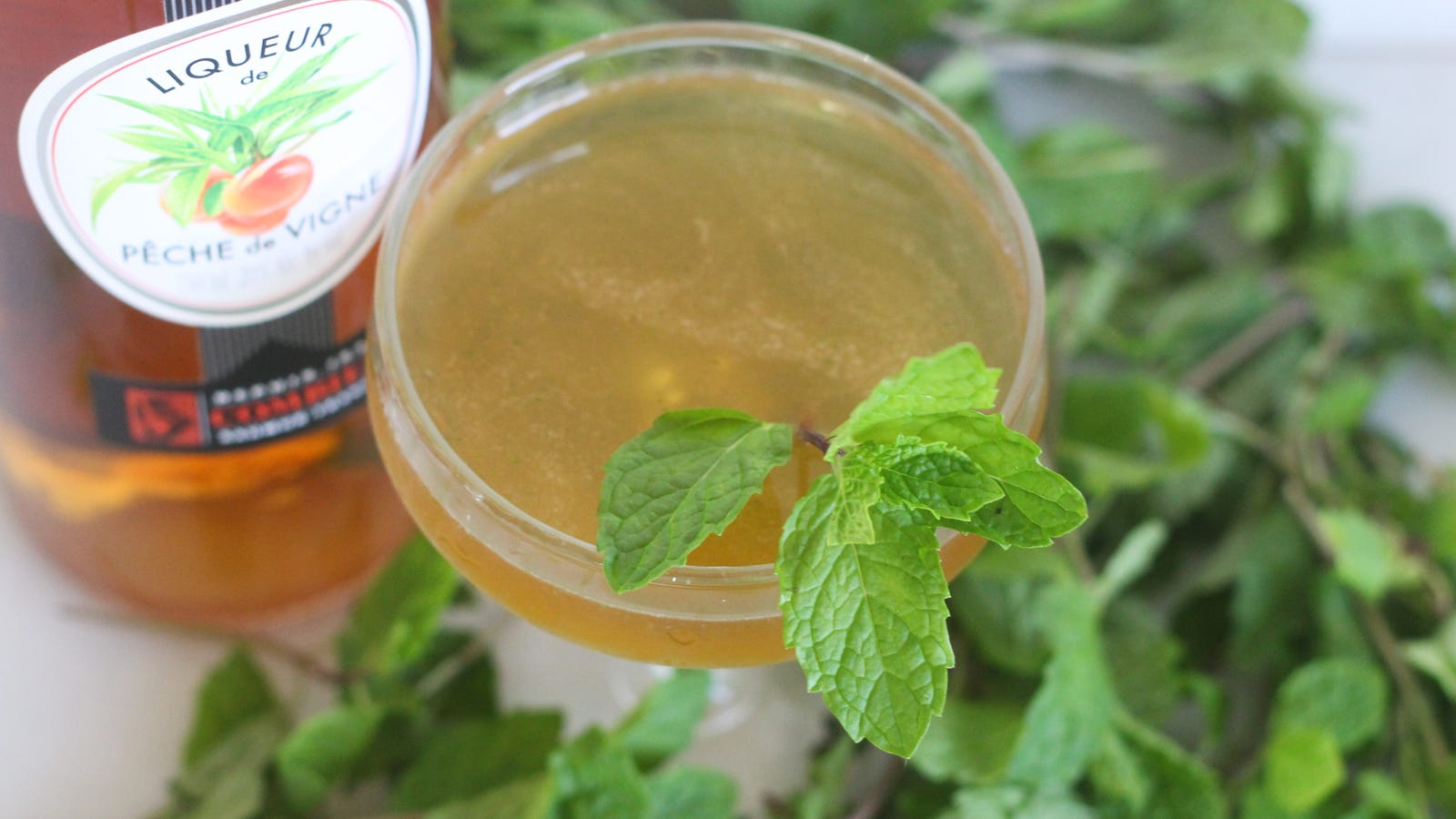 Enjoy This Peach-Mint Cocktail for No Particular Reason