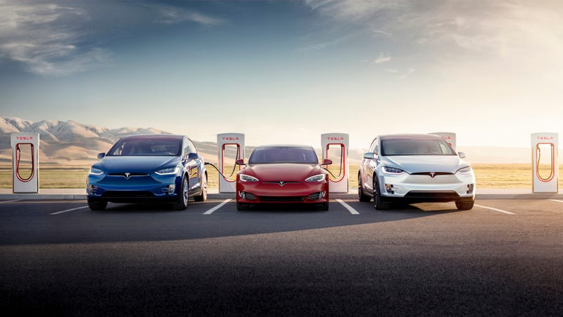 Illustration for article titled You Now Get Free Unlimited Supercharging With Your New Tesla Model S Or X (Again)