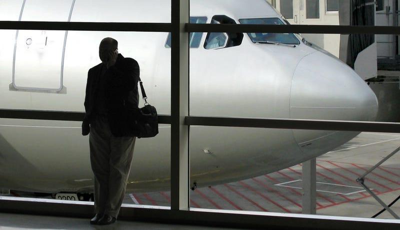 Este aeropuerto rastreará la posición de los pasajeros por su móvil