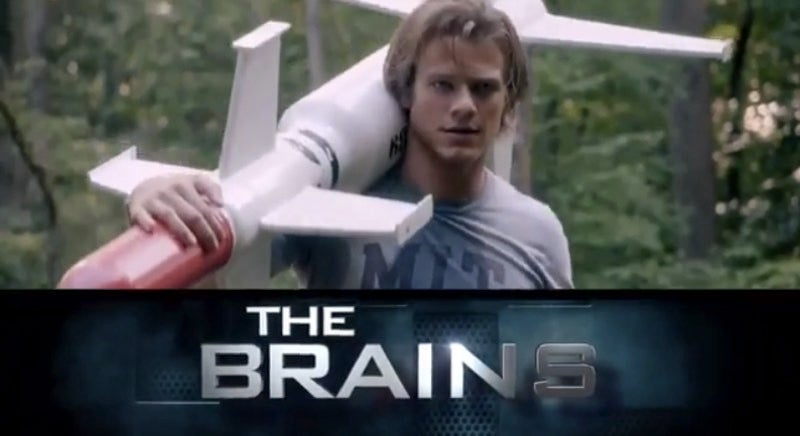 New MacGyver trailer reunites hero and paper clip