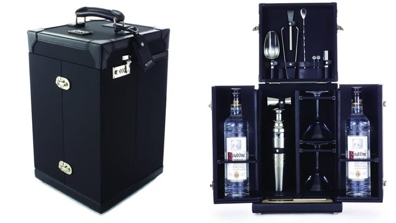Illustration for article titled If Bond Were a Boy Scout, This Tumi Mixology Set Would Be His Backpack