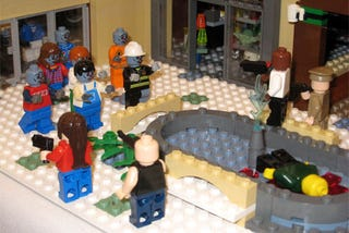 Illustration for article titled A 'Left 4 Dead' LEGO Zombie Apocalypse In Pictures