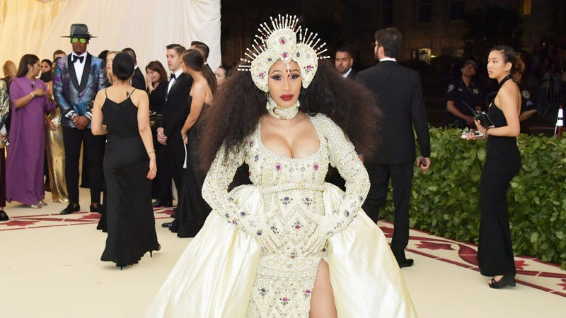 Illustration for article titled Nicki Minaj Gave Cardi B a $5,000 Baby Gift, But What Does it Mean?!