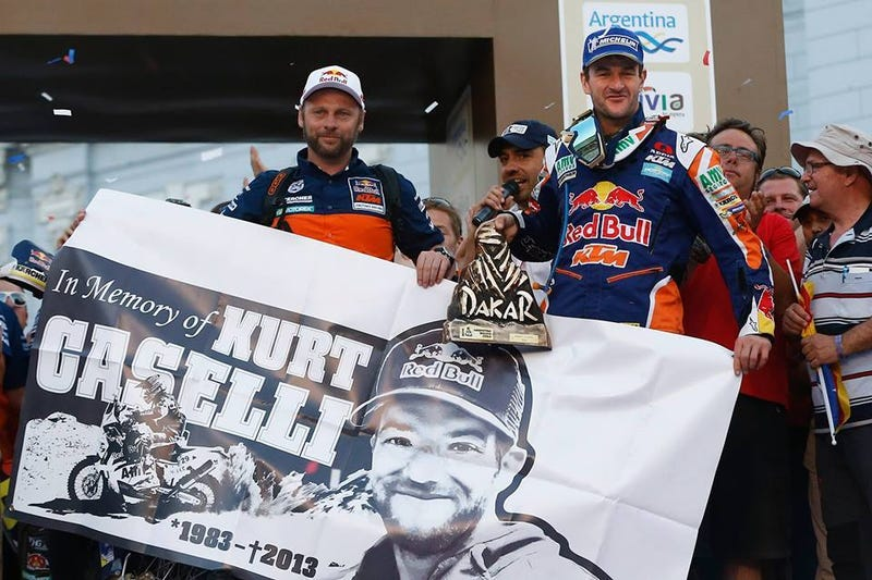 Illustration for article titled Marc Coma pays tribute to Kurt Caselli at the Dakar finish line