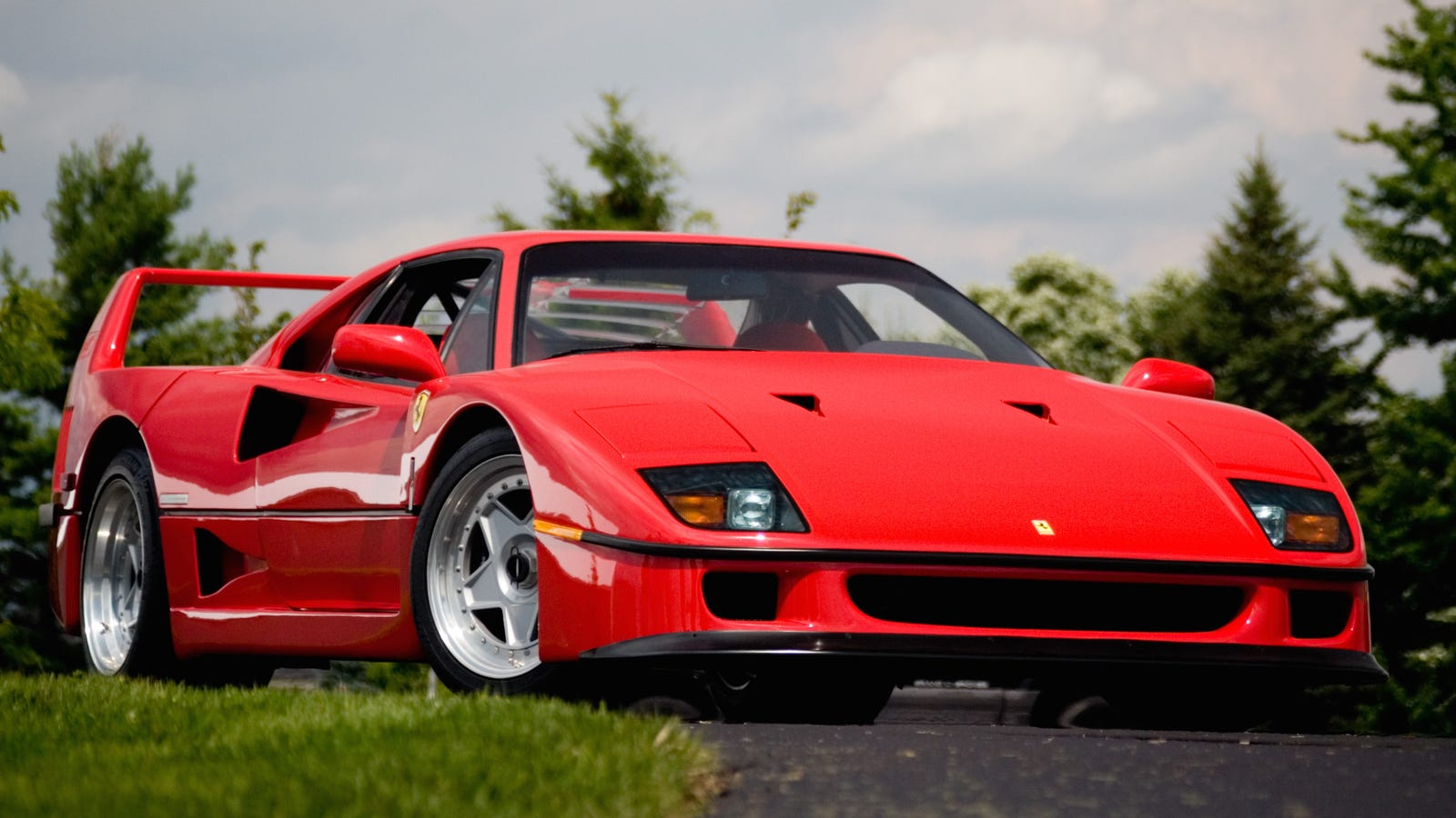 eight things you didn 39 t know about the ferrari f40. Black Bedroom Furniture Sets. Home Design Ideas
