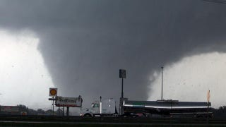 Alabama tornado passes through Tuscaloosa, leaving devastation behind. (Google)