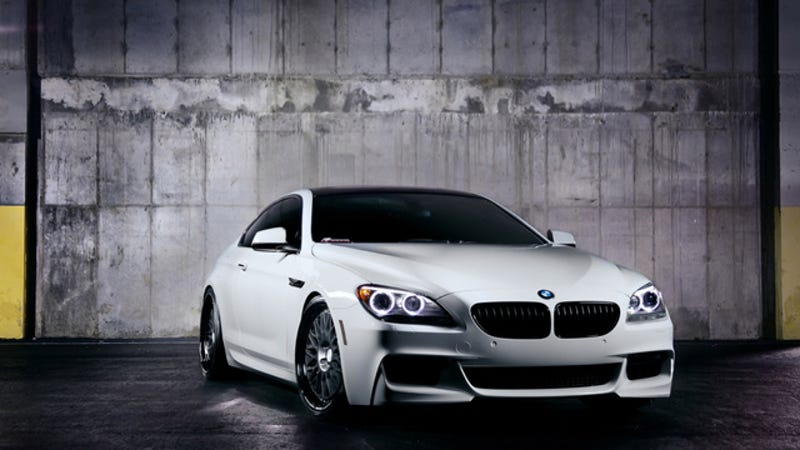 Illustration for article titled Your Ridiculously Awesome BMW M6 Wallpaper Is Here