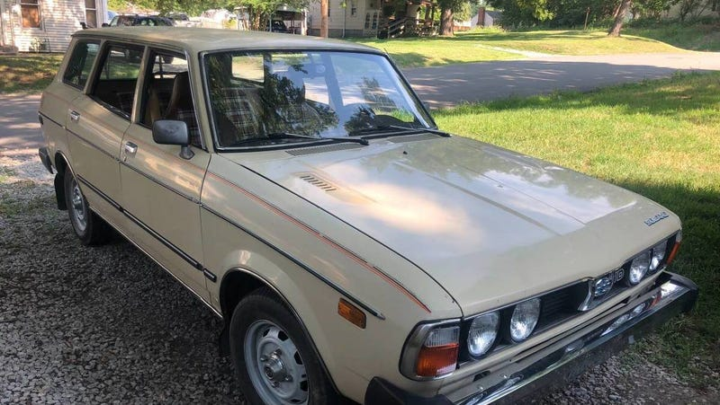 Illustration for article titled At $2,300, Could This 1979 Subaru DL Put a Smile on Your Face?