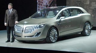 Illustration for article titled Detroit Auto Show: 2008 Lincoln MKT Live Reveal