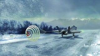 Illustration for article titled This Is What An F-35 Landing On A Wintery Runway WIll Look Like