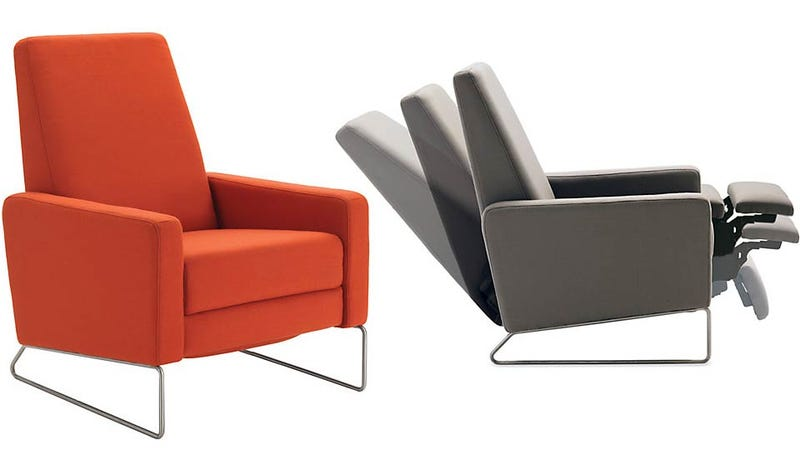 Illustration for article titled Would You Want Airline-Inspired Seating In Your Living Room?