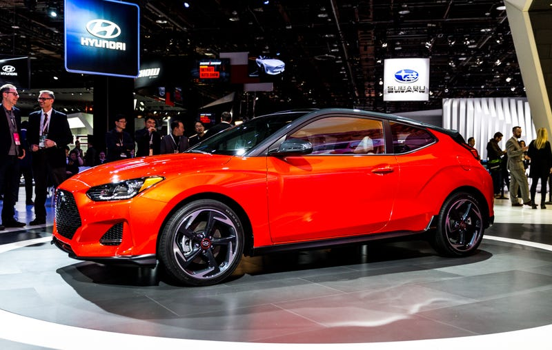 The All New 2019 Hyundai Veloster Is Here, And Thereu0027s Good News: Itu0027s  Still A Total Weirdo. And Thatu0027s Partly Because The New Hatchback Is A Lot  Like The ...