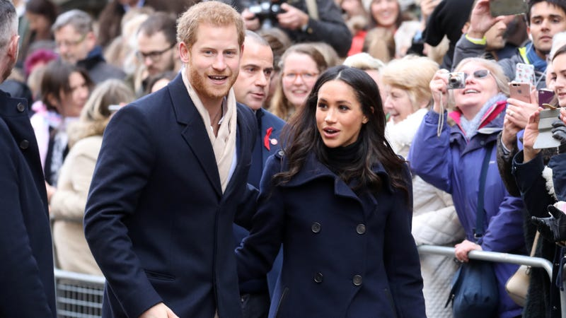 Two normal people, taking a normal walk. Image: Getty