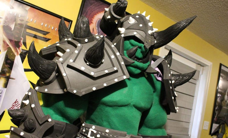 """Illustration for article titled """"Life-Size"""" WarCraft Cosplay Could Crush Actual Humans"""