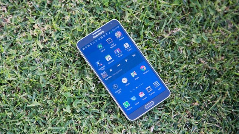 """Illustration for article titled Samsung truca el Galaxy Note 3 para """"engañar"""" en las reviews"""