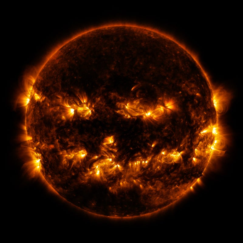 Illustration for article titled NASA: The Sun looks like a Jack O'Lantern just in time for Halloween