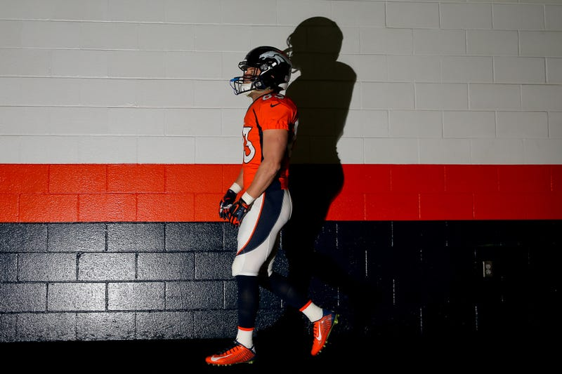 Illustration for article titled Champ Bailey Wants Wes Welker To Retire For His Own Good