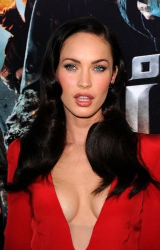 Illustration for article titled Megan Fox Didn't Get Engaged Again; L.A. Reimbursed $1 Million For Jackson Funeral