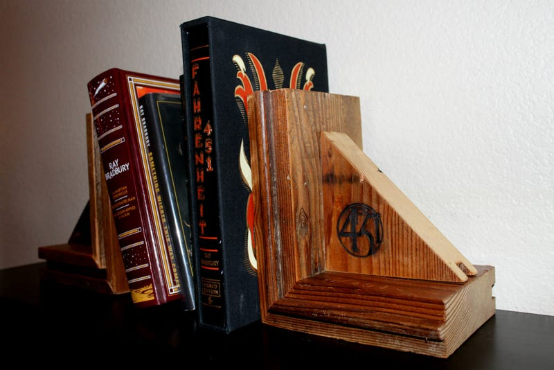 Illustration for article titled Ray Bradbury's Demolished Home Turned Into Bookends