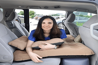 Illustration for article titled Transportability and Comfort With Inflatable Car Bed