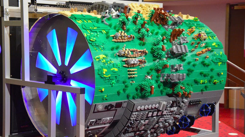 Illustration for article titled Spinning This Giant Lego Diorama Also Plays the Star Wars Theme
