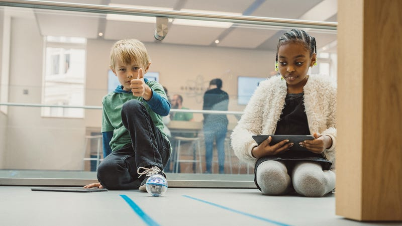 photo image Kids Can Take Free Coding Workshops at Apple Stores This Week