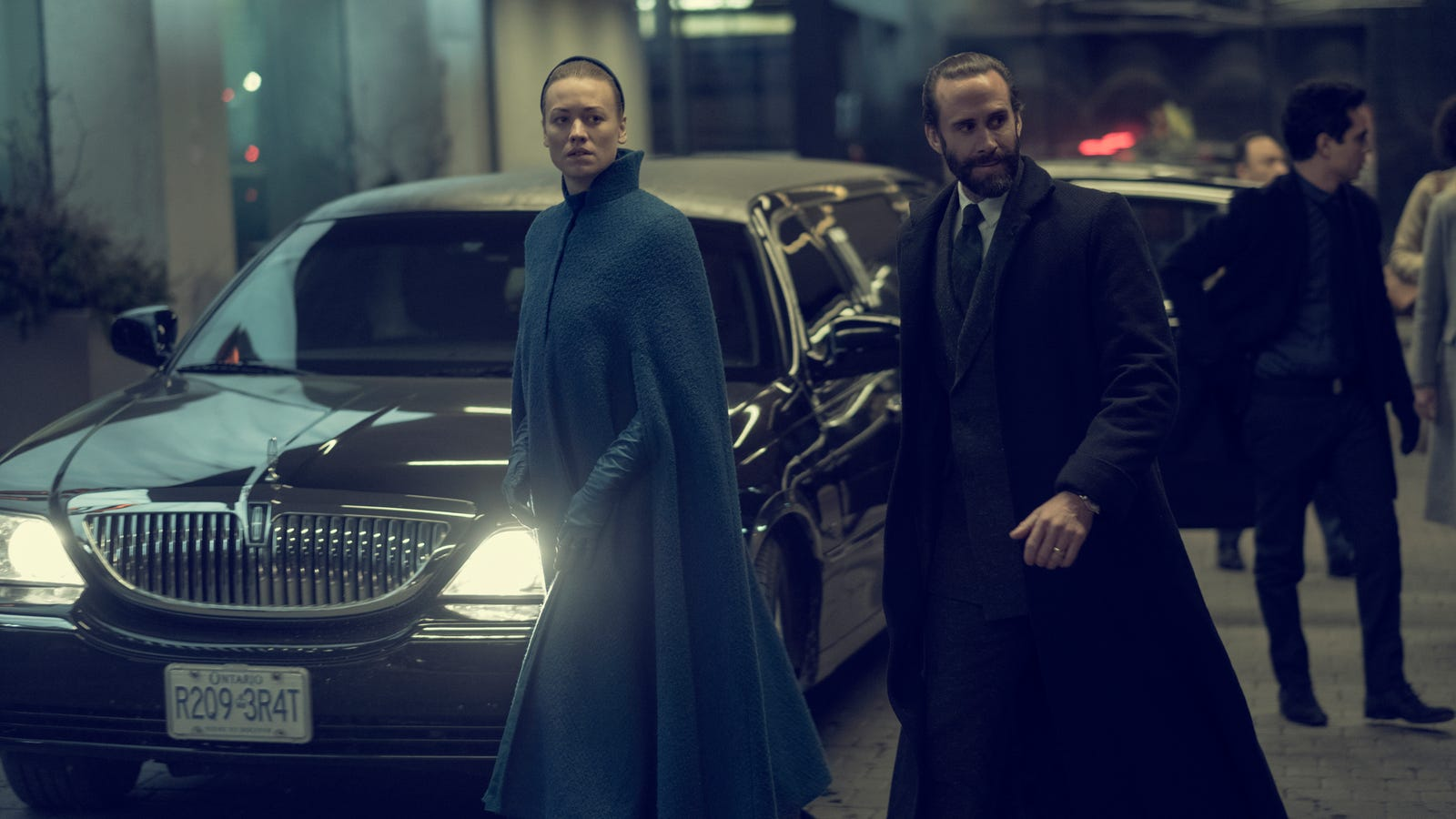 The Villains ofThe Handmaid's Tale Head to Canada for a Fantastically Rewarding Episode