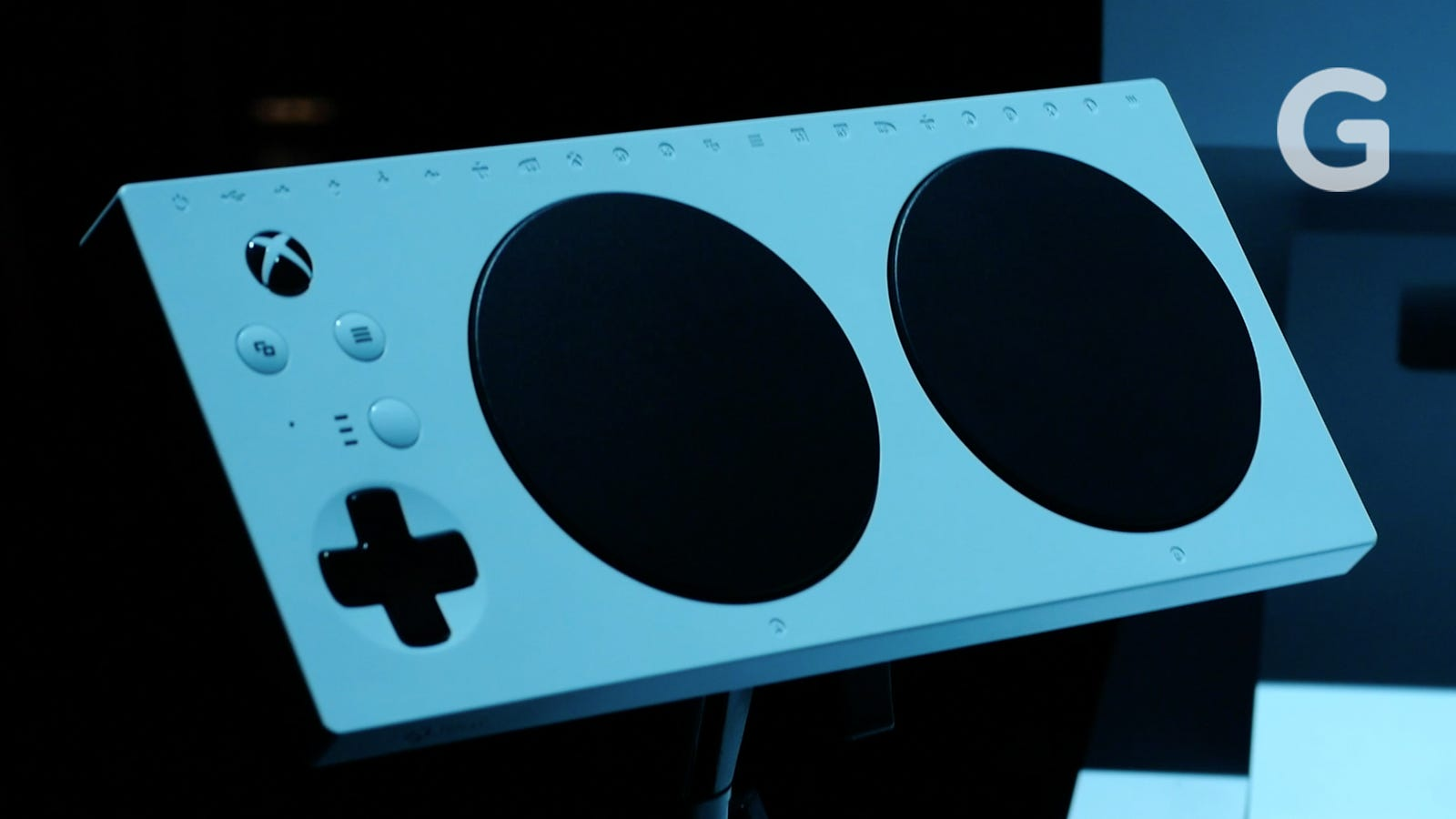 photo image Microsoft's Super-Accessible Adaptive Controller Will Be Good For Cheaters, Too