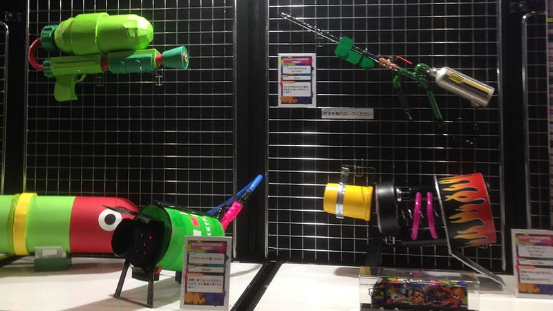 Illustration for article titled Fans Bring Splatoon Weapons to the Real World