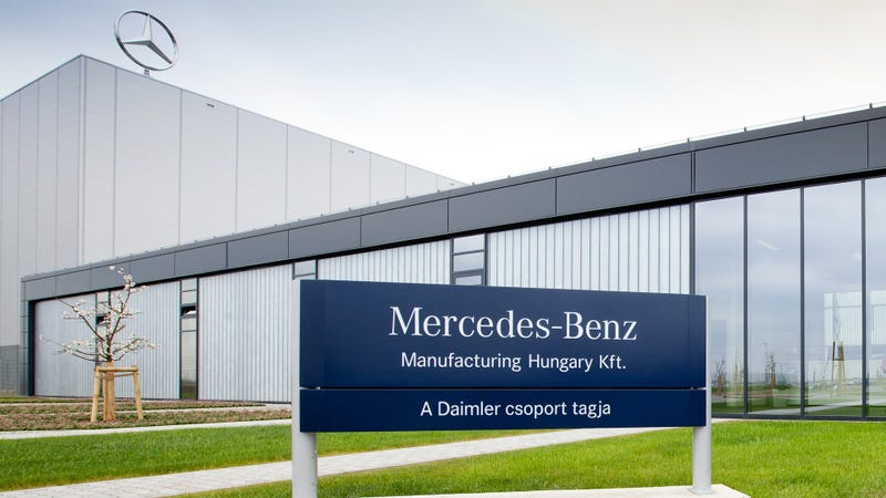 Illustration for article titled Mercedes CLA Production Halts As Factory Is Shut Due To Bomb Threat