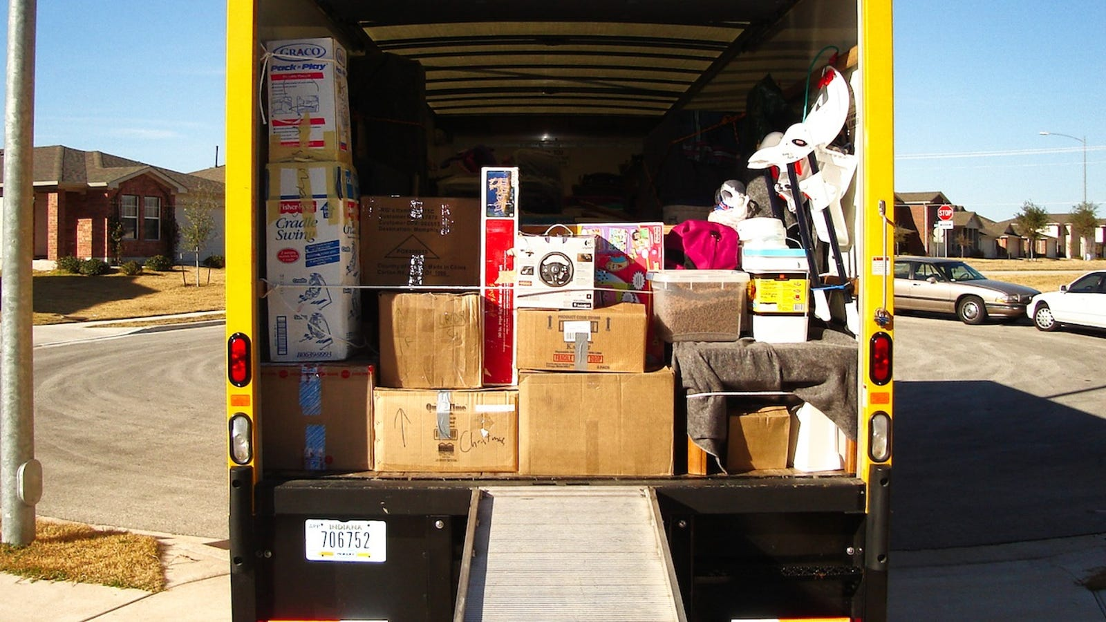 How to Get a Better Deal on a Moving Truck with a Simple Trick